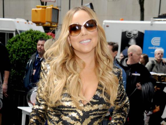 Mariah Carey liebt High Heels, kann damit aber nicht so gut laufen