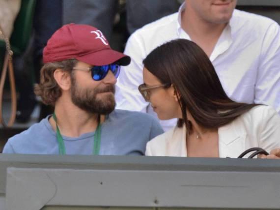 Happy auf der Tribüne: Bradley Cooper und Irina Shayk in Wimbledon