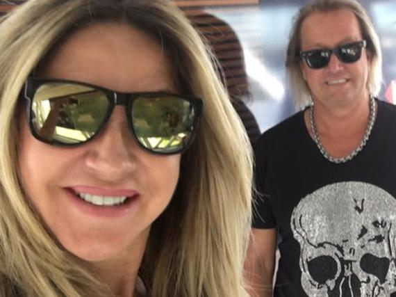 Die Geissens sind gerade in Asien unterwegs, Carmen Geiss hält ihre Fans via Facebook auf dem Laufenden