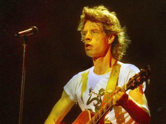 Nach wie vor rockt er die Bühne: Mick