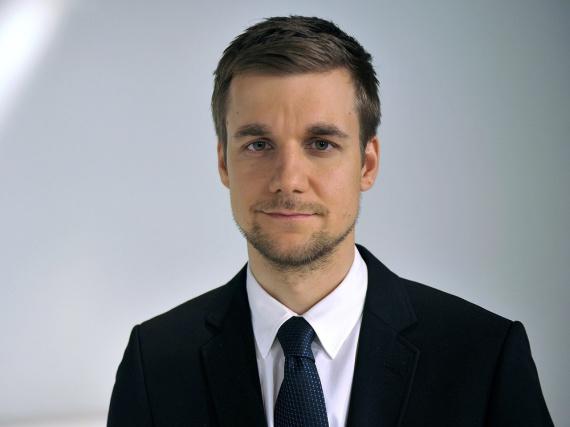 Tobias Schlegl beendet seine Karriere beim ZDF, um Notfallsanitäter zu werden