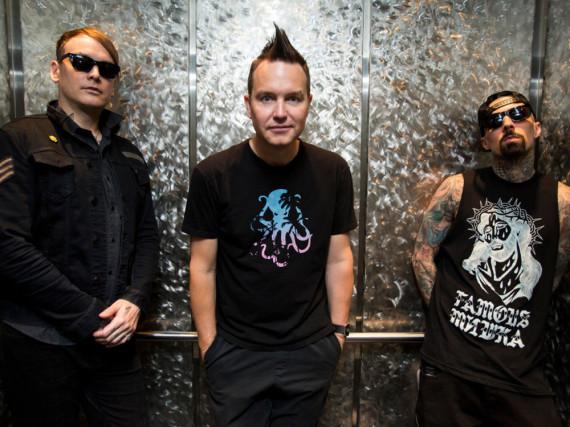 Matt Skiba (l.) darf sich über einen gelungenen Einstand bei Blink-182