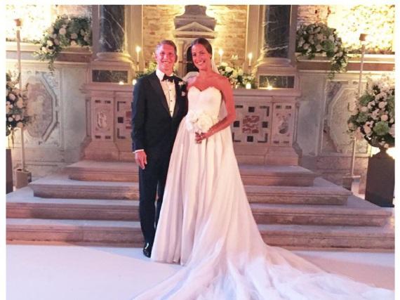 Fürs Familienalbum: Ana Ivanovic teilte dieses Hochzeitsfoto auf Facebook