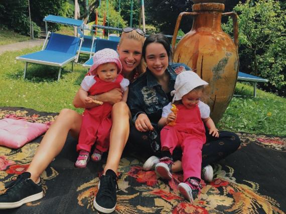 Michelle Hunziker mit ihren drei Töchtern Aurora, Sole und Celeste