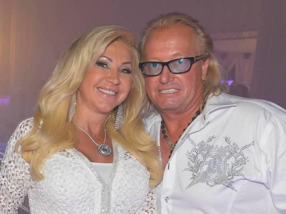 Immerhin fahren sie gern miteinander in Urlaub: Robert und Carmen Geiss