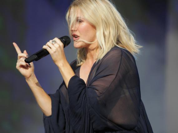 Ellie Goulding bei einem Auftritt in London
