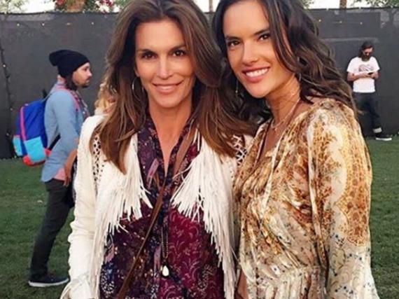 Zwei, die es vormachen: Die Models Cindy Crawford (50) und Alessandra Ambrosio (35)