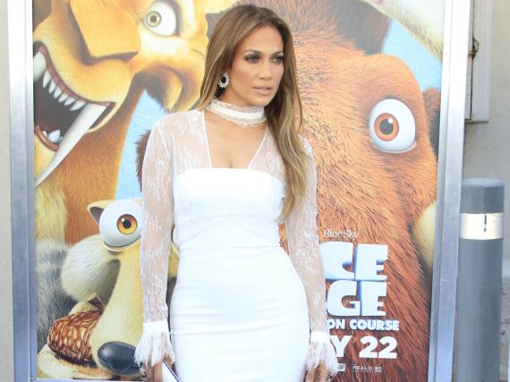 Jennifer Lopez ist auch mit 46 noch in Topform und setzt ihre Figur gern in Szene