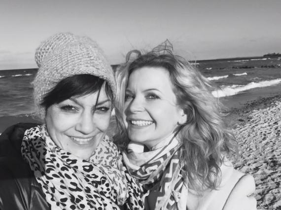 Dieses Schwarz-Weiß-Foto postete Eva Imhof zum Abschied von Miriam Pielhau auf ihrer Facebook-Seite