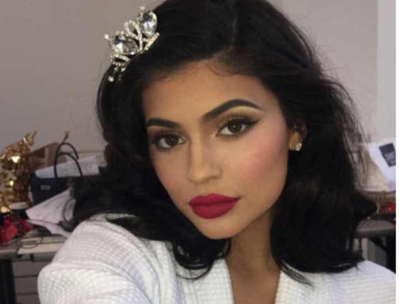 Kylie Jenners Lipgloss-Reihe läuft gut