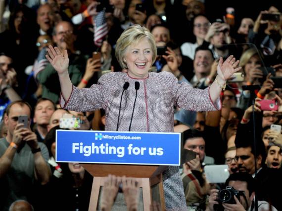 Hillary Clinton ist es wichtig, auch modisch Verbundenheit zu Amerika zu zeigen
