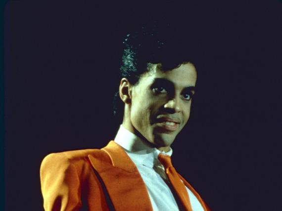 Prince während eines Konzerts in den späten