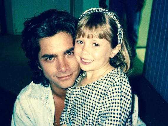 Schauspieler John Stamos und die kleine Elizabeth Olsen Anfang der Neunziger Jahre