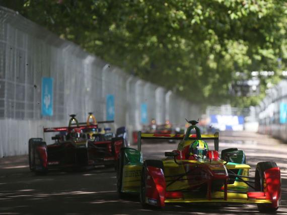 Faszinierende Duelle auf der Rennstrecke bei der Formel E