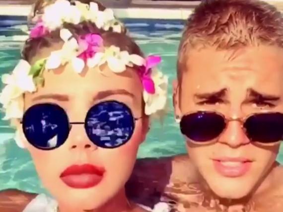Sahara Ray und Justin Bieber gemeinsam im Pool