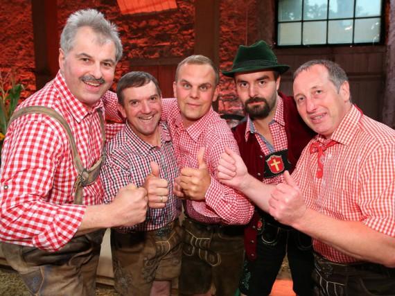Diese Bauern kämpfen um die Goldmedaille: Bruno, Josef, Gunther, Leonhard und Heinrich (v.l.).
