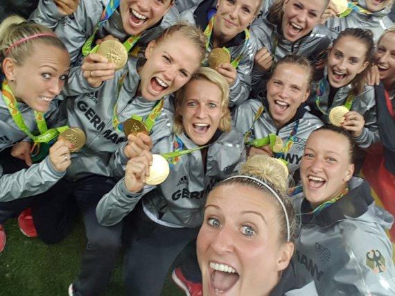 So feiern die deutschen Fußball-Damen ihr Olympia-Gold