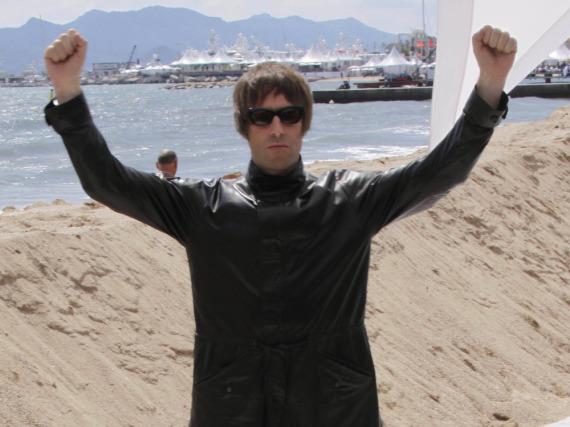 Liam Gallagher hat durchaus Grund zu jubeln - der frühere Oasis-Star hat einen neuen Plattenvertrag unterschrieben