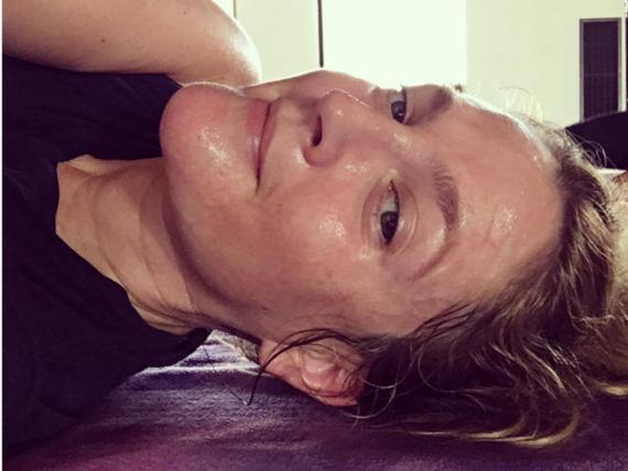 Drew Barrymore zeigt sich verschwitzt und ungeschminkt