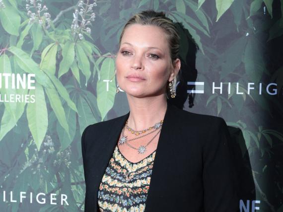 Kate Moss greift angeblich wieder zur Flasche.
