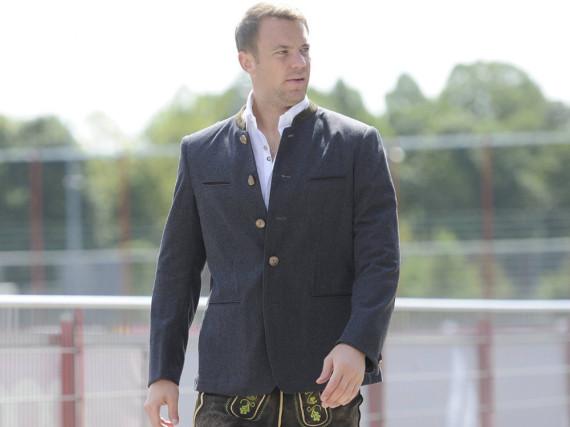 Manuel Neuer macht beim Oktoberfest-Outfit alles richtig