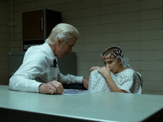Die mysteriöse Eleven (Millie Bobby Brown) spielt eine Schlüsselrolle in