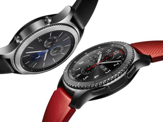Das ist die neue Samsung-Gear-S3-Smartwatch in den beiden Varianten Classic (r.) und Frontier