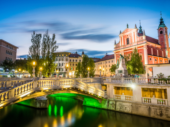 So malerisch - die slowenische Hauptstadt Ljibljana in der Abenddämmerung