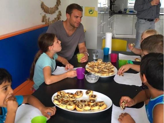 Das Wohl benachteiligter Kinder liegt Manuel Neuer sehr am Herzen