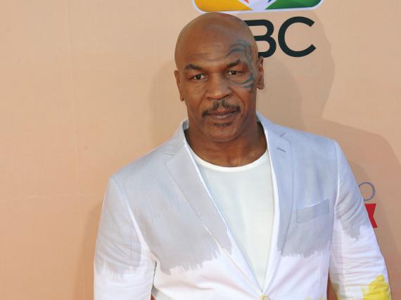 Mike Tyson hatte niemals gedacht, einem Tennisplatz so nahe zu kommen