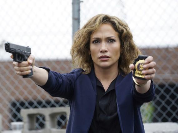 Jennifer Lopez als Detective Harlee Santos in