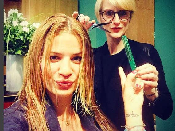 Susan Sideropoulos beim Friseur ihres Vertrauens in Berlin