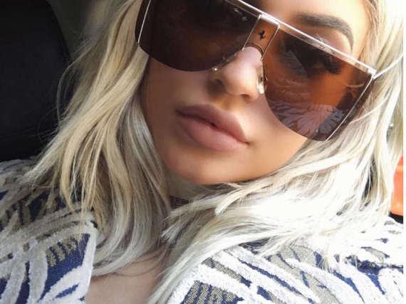 Kylie Jenner färbte sich pünktlich zur New York Fashion Week die Haare blond.
