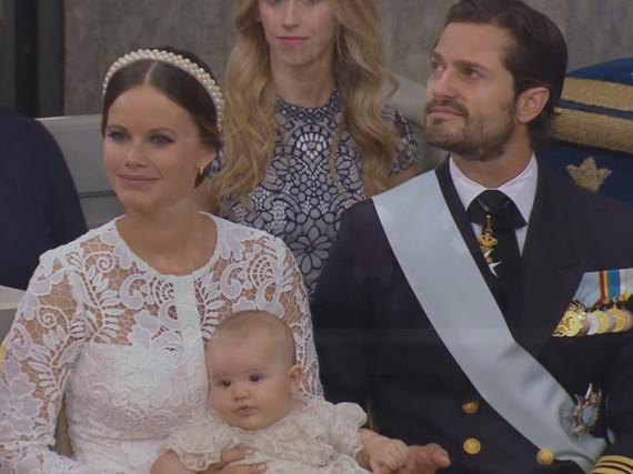 Sofia und Carl Philip von Schweden verfolgten stolz die Taufzeremonie für ihren Sohn Alexander