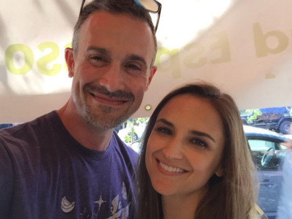 Freddie Prinze Junior und Rachael Leigh Cook grinsen in die Kamera