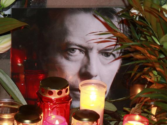 Devotionalien von David Bowie sind nach dessen Tod heiß begehrt