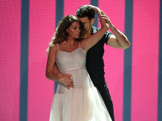 Sabia Boulahrouz und Leonard Freier tanzen zu