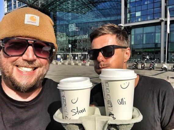 Inkognito beim Kaffee holen: Smudo und Michi Beck