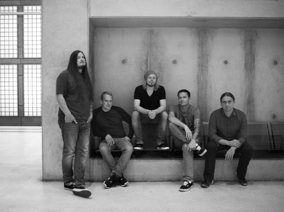 Heaven Shall Burn sind: Eric Bischoff, Christian Bass, Alexander Dietz, Marcus Bischoff, Maik Weichert (v.l.)