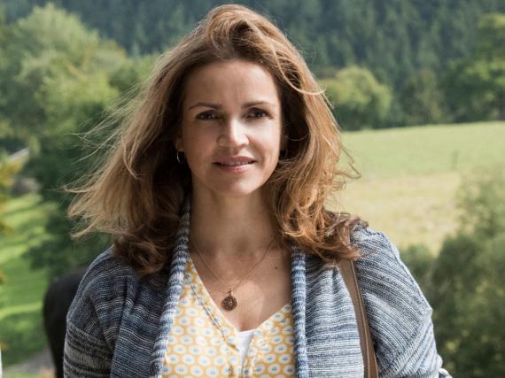 Rebecca Immanuel spielt die Versorgungassistentin Vera Mundt