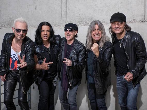 Die Scorpions sind nun offiziell wieder zu fünft