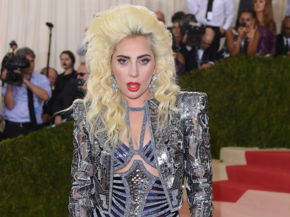 Lady Gaga bei der MET Gala 2016 in New York