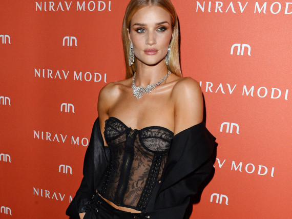 Rosie Huntington-Whiteley mag es auch mal rockig