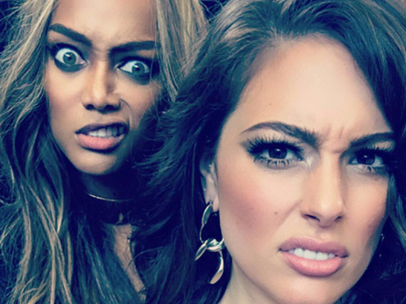 Ashley Graham (r.) und Tyra Banks machen kurz Pause vom Model-Dasein