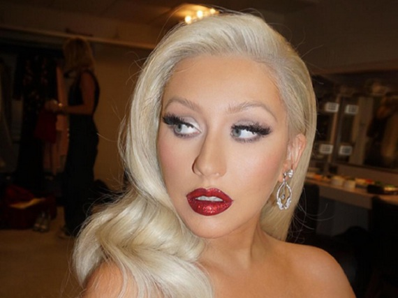 Aus rot mach platinblond: Christina Aguilera hat mal wieder ihre Haarfarbe geändert