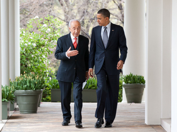 Israels Präsident Shimon Peres (l.) und US-Präsident Barack Obama bei einem Treffen im Weißen Haus im April 2011