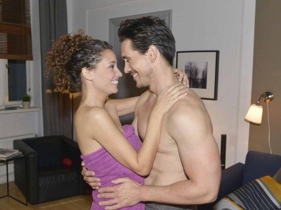 Ayla (Nadine Menz) und David (Philipp Christopher) verlassen