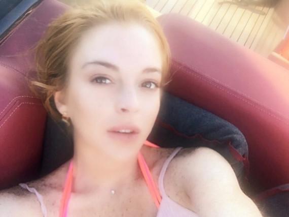 Lindsay Lohan liebt Boote, mit Ankern kann sie sich aber anscheinend nicht sehr anfreunden