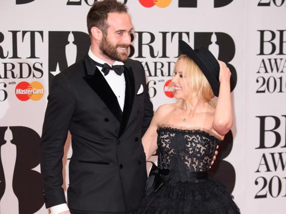 Kylie Miogue und Ehemann Joshua Sasse geben ein hübsches Paar ab - vorerst aber kein Ehepaar