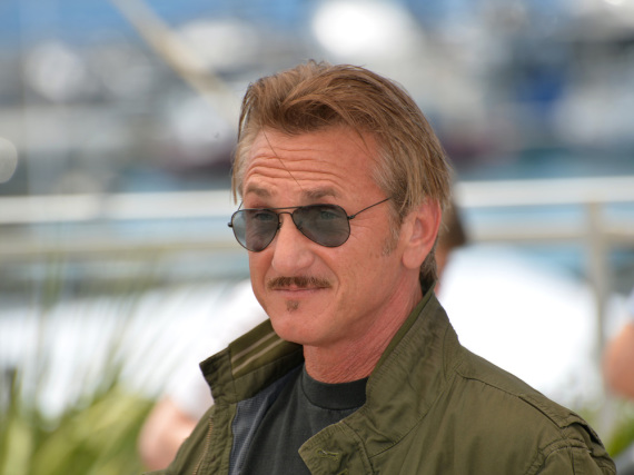Sean Penn hat sich offenbar eine deutlich jüngere Freundin geangelt